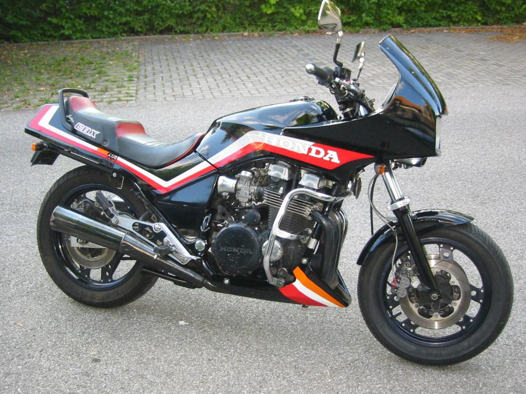 Honda Msx 125 moreover Honda Cb750f Baujahr 1976 Seitendeckel Rechts Side Cover Right besides Show media additionally Honda CB 1300 also Honda cb750c seat 22283c5e25a776c689ce. on honda cb 750
